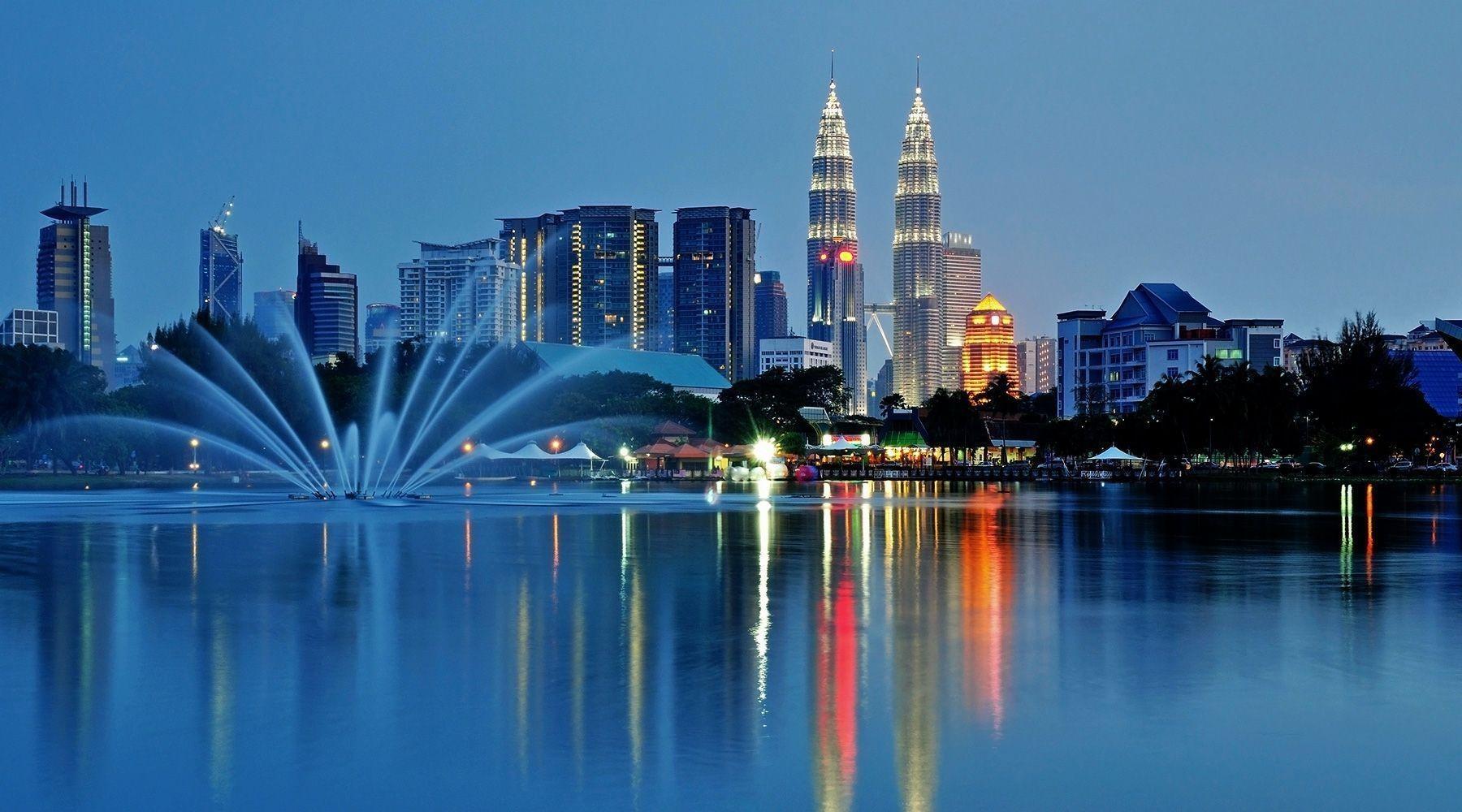 Tác động tích cực của nền kinh tế Malaysia đến việc du học nước này