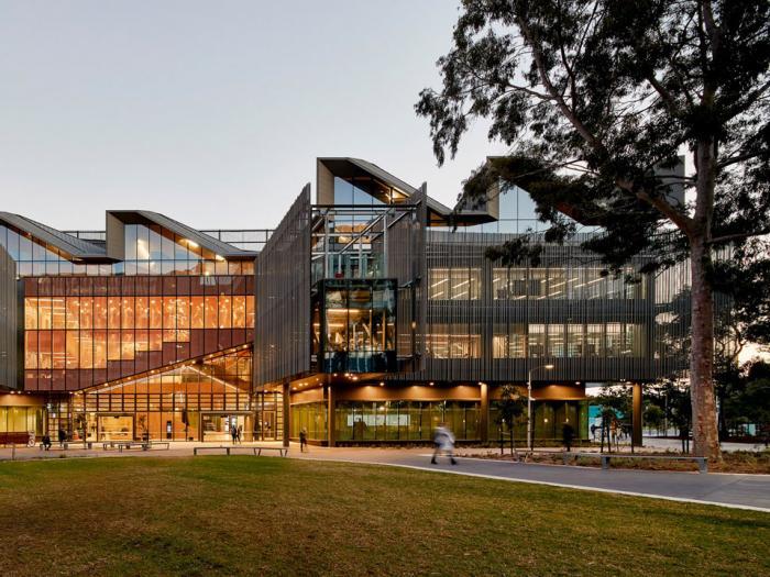 Đường đến Đại học Monash (Úc) từ Học viện SIM